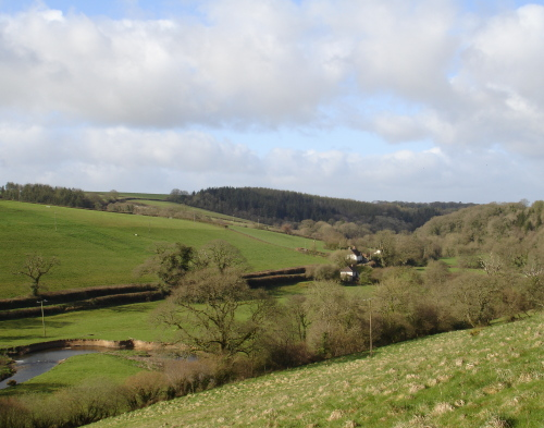 Little Dart valley from approach to West Worlington